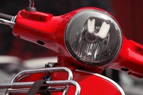 Welk scooterslot voldoet aan de eisen van de scooterverzekering?